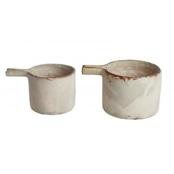 Nobue Ibaraki's beaker pot medium